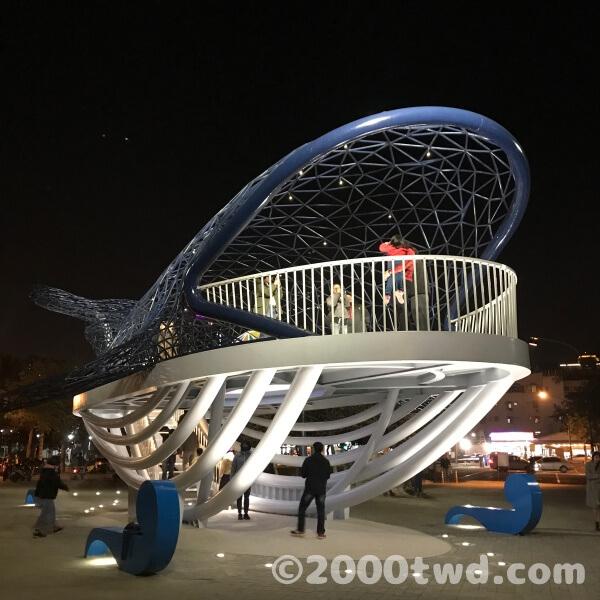安平港濱歷史公園のクジラオブジェ