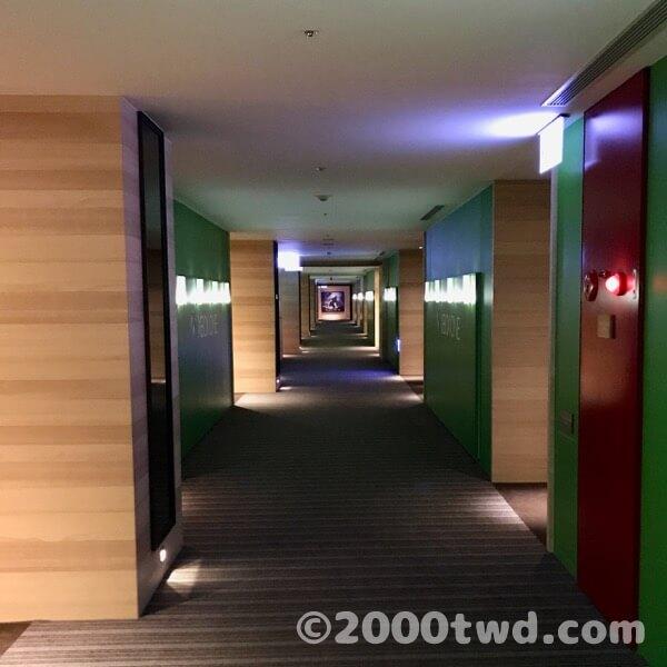 XBOXコンセプトフロアの廊下